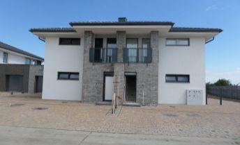 Novostavba moderný 3-izbový byt s garážou a záhradou v Galante