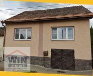 Na predaj tehlový rodinný dom v obci Lučatín