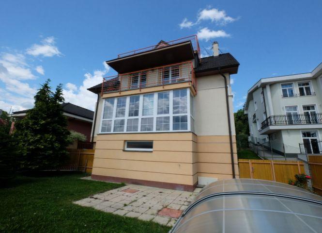Rodinný dom - Bratislava-Nové Mesto - Fotografia 1