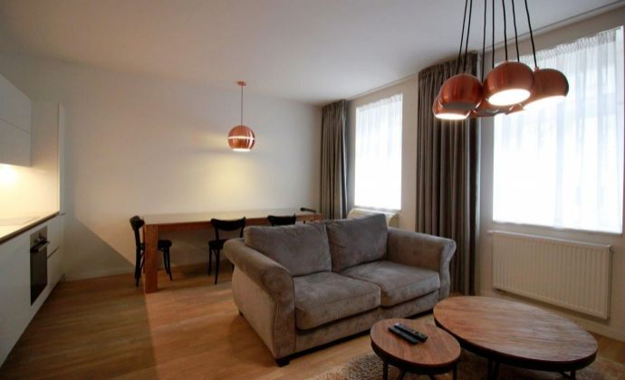 2-izb. byt s parkingom a terasou v centre / 1 bedroom flat with terrace and parking possibility - Šotlésovej ul.