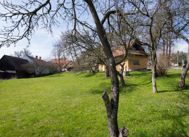 pre rodinné domy - Liptovský Mikuláš - Fotografia 1