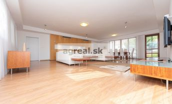 3-room spacious 169 m2 apartment, higher standard, furnished, Ventúrska street, 4th floor.