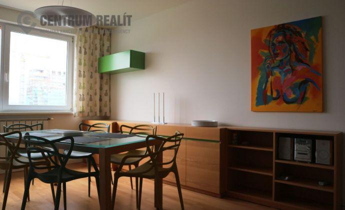 Moderne zariadený, slnečný 2-izbový byt s loggiou, Lenardova ulica