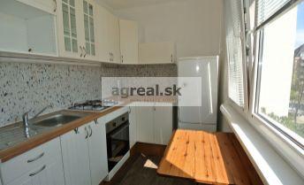 Predaj, útulný 2-izb. byt po rekonštrukcii v pokojnom prostredí pod lesom, ul. Tranovského, BA IV- Dúbravka