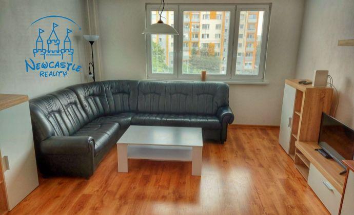 2 izbový byt s balkónom na prenájom Nitra