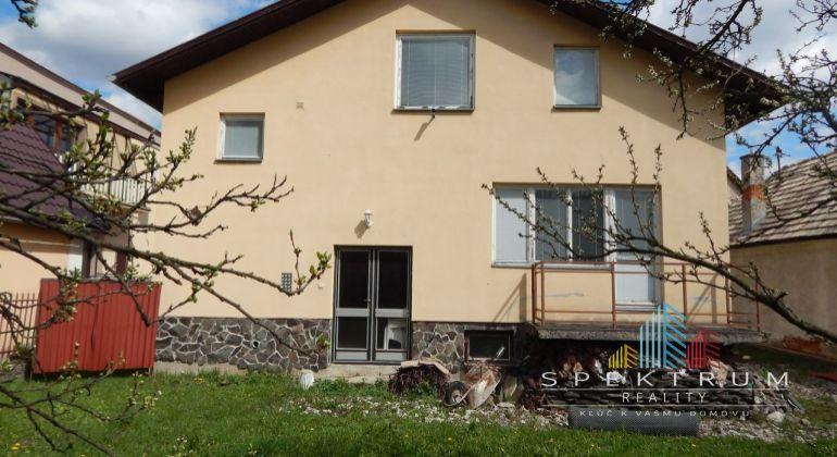MASTER REAL- Na predaj 5-izbový rodinný dom 600 m2, Liešťany, okres Prievidza