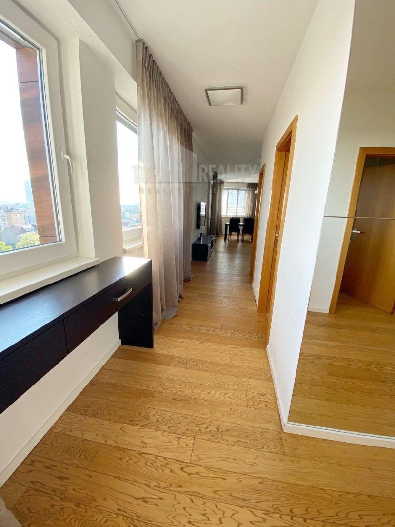Iný-Predaj-Bratislava - mestská časť Nové Mesto-399 000 €