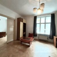 3 izbový byt, Bratislava-Staré Mesto, 80 m², Čiastočná rekonštrukcia