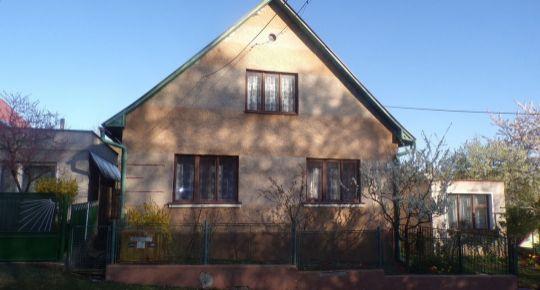 Na predaj 3 izbový rodinný dom alebo rodinnú chata 618 m2 Dlžín okres Prievidza FM1084