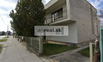 REZERVOVANÉ!!! Predaj- starší 6- izb. 2- podlažný rodinný dom (190 m2 UP, 765 m2 pozemok) na bývanie, investíciu alebo na podnikateľské účely, ul. Rybničná, BA III- Vajnory