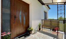 Kompletne zrekonštruovaný rodiný dom, Iža, predaj