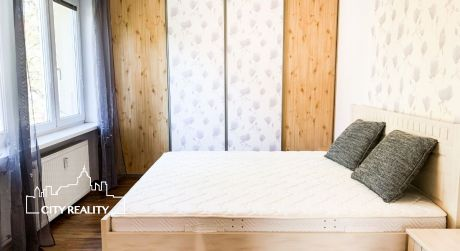 Exkluzívne Vám ponúkame na prenájom 2 izbový byt, 57 m2, ul. ČSA, Handlová