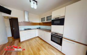 Na predaj pekný 4 izbový byt v Dubnici nad Váhom, Pod Hájom.