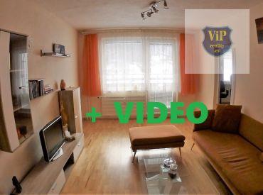 Video. Byt 2+1 až 71m2, dve loggie, výhľad a príroda, Banská Bystrica - Uhlisko