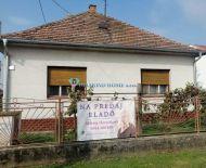 DIAMOND HOME s.r.o. -Alžbeta Horváthová EXKLUZÍVNE ponúka Vám na predaj 2 izbový rodinný dom v obci Kráľovičove Kračany