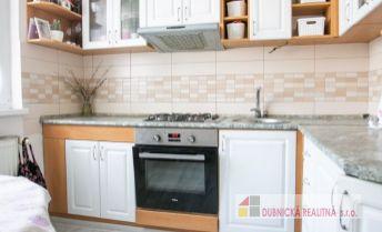 REZERVOVANÝ- veľmi pekný 2 izbový byt v centre Dubnice nad Váhom.
