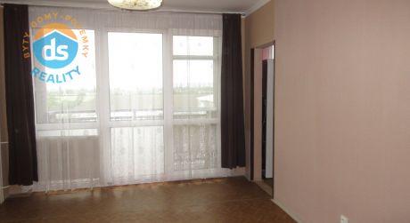 Na prenájom nezariadený dvojizbový byt s lóggiou v Piešťanoch - ul. E. F. Scherera