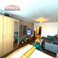 2 izbový byt, Bánovce nad Bebravou, 60 m², Čiastočná rekonštrukcia