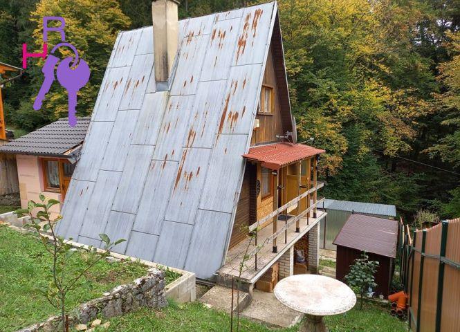 chata, drevenica, zrub - Beluša - Fotografia 1
