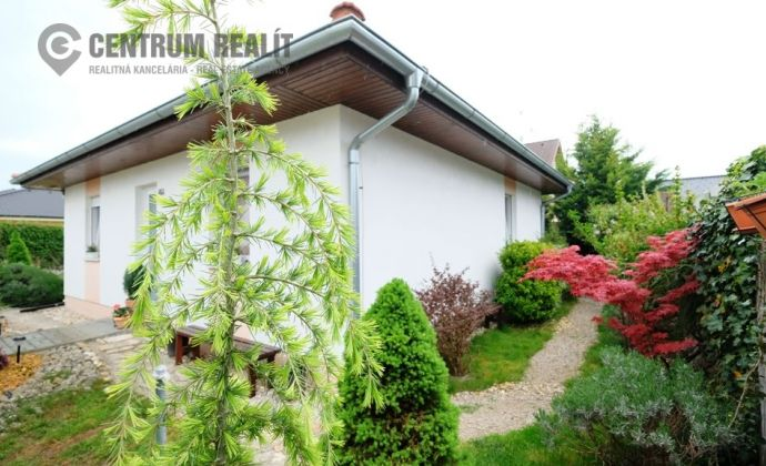 Útulný 4-i rodinný domček s 2 bytmi a krásnou záhradou