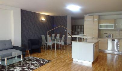 PRENÁJOM  - 3 izbový byt 100 m2 s garážou pre 2 autá, Bratislava 1.