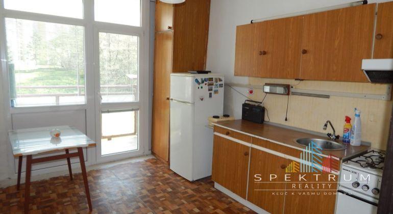 MASTER REAL- Na Predaj 3-izbový byt, 70 m2, Handlová, okres Prievidza