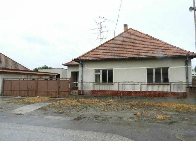 Rodinný dom - Topoľníky - Fotografia 1