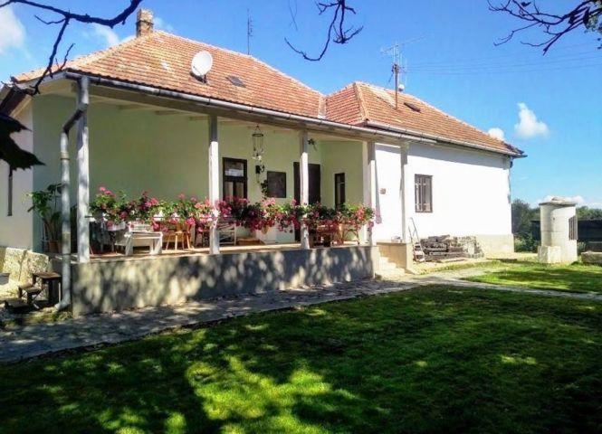 Rodinný dom - Lučenec - Fotografia 1
