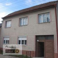 Rodinný dom, Dubovce, 99999999.99 m², Pôvodný stav