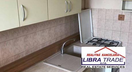 PREDAJ - 3 izbový byt s loggiou na ul. vodná v Komárne