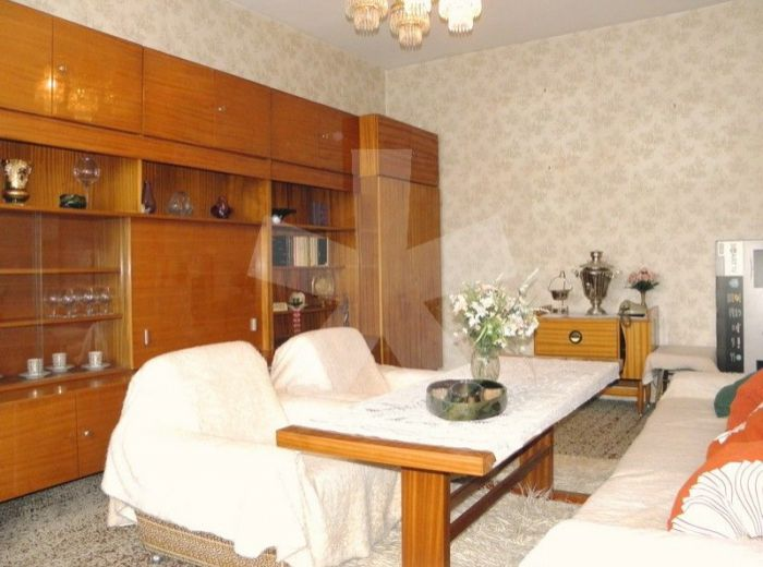 PREDANÉ - ADÁMIHO, 2-i byt, 52 m2 – tehlový byt s balkónom, v zateplenom bytovom dome, NA ZAČIATKU KARLOVEJ VSI