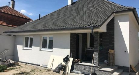 PREDAJ - Kompletne prerobený 2 izbový rodinný dom v Iži