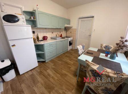 3 izbový byt  balkónom Topoľčany / Kumbal , špajza / VYPLATENA ZALOHA