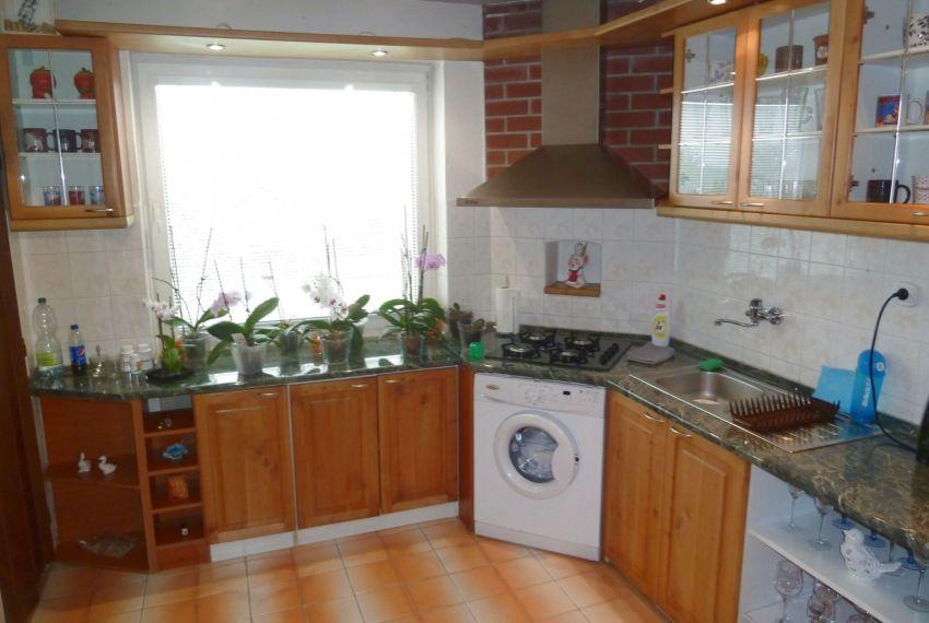 Predaj Rodinné domy Tomášovce-13
