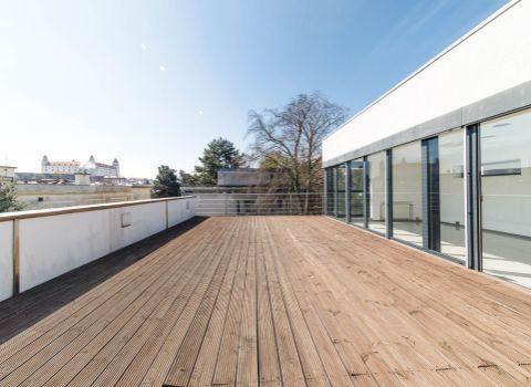 PREDANÁ - Na predaj moderná vila na Palisádach s výhľadom na Bratislavský hrad