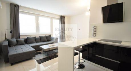 2 - izbový elegantný byt  45 m2  s terasou 10 m2, parkovacie miesto  - Rajka