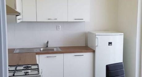 Prenájom 2 izbového bytu na Komárnickej ulici v Ružinove