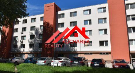 Kuchárek real: Predáme 3-izbový byt v nízkopodlažnej bytovke v Petržalke.