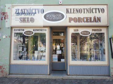 REZERVOVANÉ - Obchodný priestor na Námestí osloboditeľov na predaj - Liptovský Mikuláš, centrum