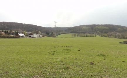 Exkluzívny pozemok určený na výstavbu rodinných domov v nádhernom prostredí obce Borinka!!!