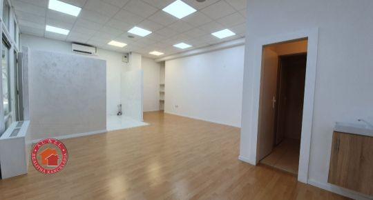 42 m2 OBCHODNÝ PRIESTOR V SENCI - CENTRUM, LICHNEROVA UL.