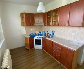 2 Izbový byt v centre mesta Šaľa