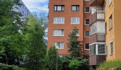 Predaj – Slnečný 3 izbový byt s balkónom v obľúbenej lokalite Devínskej Novej Vsi - Jána Poničana- BA IV. TOP PONUKA!