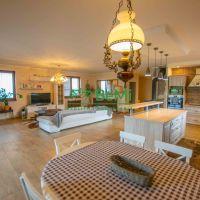 Rodinný dom, Golianovo, 150 m², Kompletná rekonštrukcia