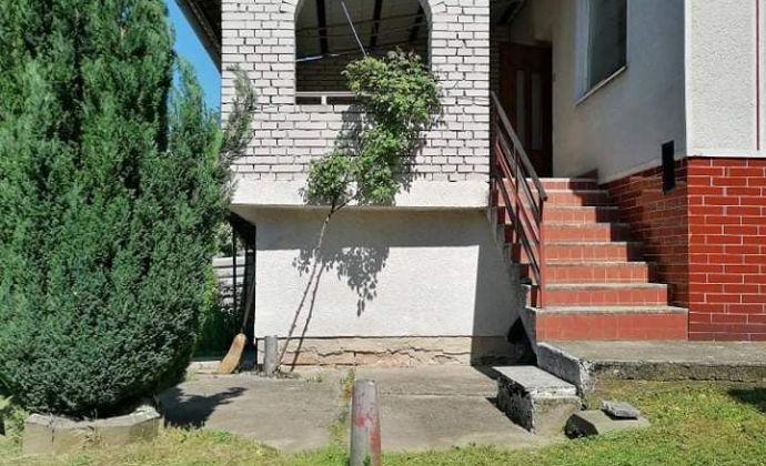 Znížená cena!!! Poschodový dom s krásnym výhľadom v obci Svodín na predaj.