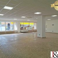 Obchodné, Levice, 200 m², Kompletná rekonštrukcia