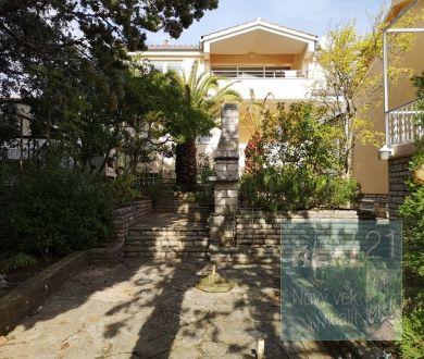 Ponúkame na predaj rodinný dom, 100 m od mora v blízkosti mesta Zadar.