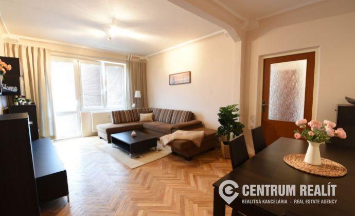 xxx REZERVOVANÉ xxx Priestranný 2-izbový byt 54 m2 s balkónom, vynikajúca lokalita, Svidnícka ul., BA II, Ružinov