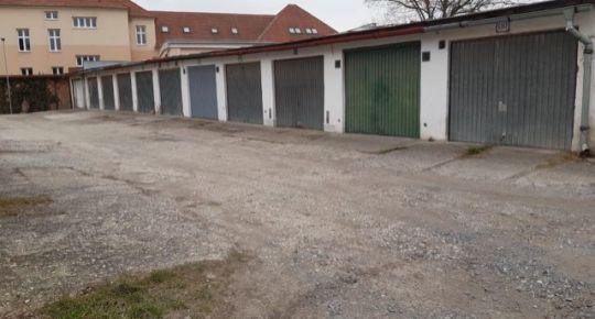 Predaj,dvoj garáž v centre Lučenca