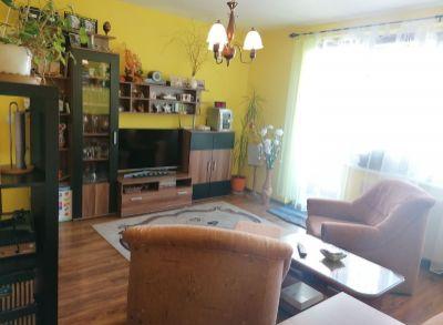 Predám 3 izbový byt v Trenčianskych Tepliciach.